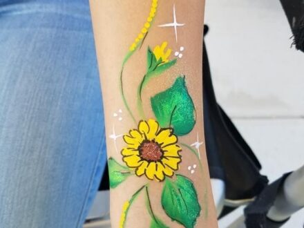 Full Arm SunFlower Face Painting_Zippy Entertainment